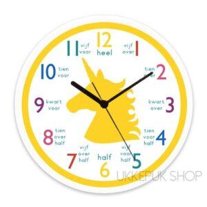 oefenen-leren-klok-kijken-klokkijken-groep-4-school-eenhoorn-unicorn-geel